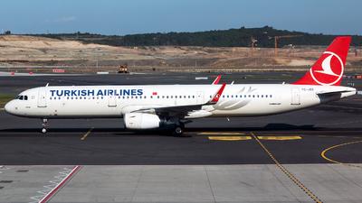 A picture of TCJSG - Airbus A321231 - Turkish Airlines - © Tomasz Kozakowski