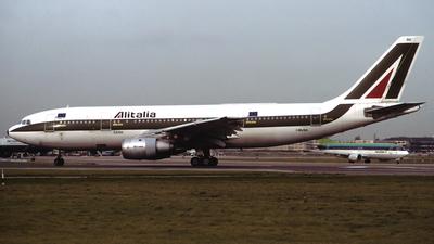 I-BUSG - Airbus A300B4-203 - Alitalia
