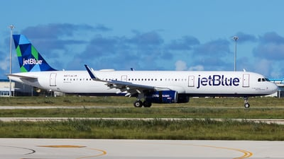 A picture of N977JE - Airbus A321231 - JetBlue Airways - © Hensley Garcia