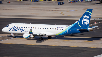 A picture of N405SY - Embraer E175LR - Alaska Airlines - © Alexander Owen