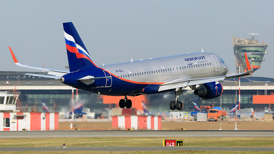 VP-BLO - Airbus A320-214 - Aeroflot