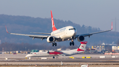 A picture of TCJHZ - Boeing 7378F2 - Turkish Airlines - © Bianca Renz