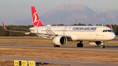 A picture of TCLSM - Airbus A321271NX - Turkish Airlines - © Alberto Cucini