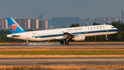 A picture of B6629 - Airbus A321231 - China Southern Airlines - © SnowMiku39