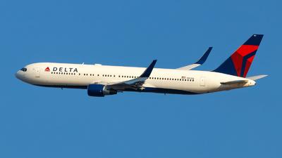 A picture of N187DN - Boeing 767332(ER) - Delta Air Lines - © Oliver Richter