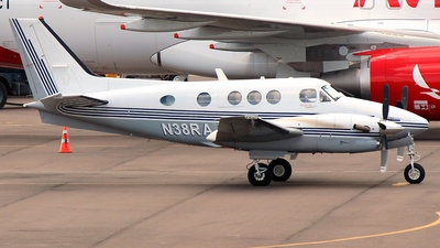 A picture of N38RA - Beech C90GT King Air - [LJ1754] - © Vinicius Costa POA-SBPA