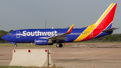 A picture of N7835A - Boeing 737752 - Southwest Airlines - © Centex Spotter