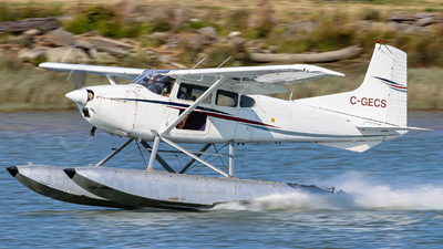 C-GECS - Cessna 180J Skywagon - Private