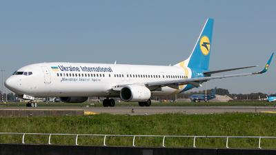 A picture of URPSJ - Boeing 7379KV(ER) - Ukraine Int. Airlines - © Freek Blokzijl