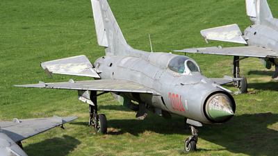 2004 - Mikoyan-Gurevich MiG-21PF Fishbed - Poland - Air Force