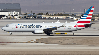A picture of N315PE - Boeing 737823 - American Airlines - © David Lee
