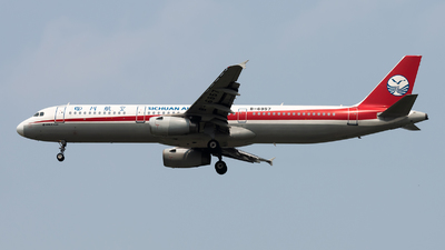 B-6957 - Airbus A321-231 - Sichuan Airlines