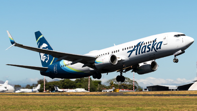 A picture of N513AS - Boeing 737890 - Alaska Airlines - © Alfredo La Red