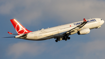 A picture of TCLOB - Airbus A330343 - Turkish Airlines - © MBekir CKMK