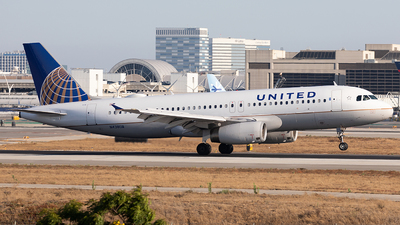A picture of N438UA - Airbus A320232 - United Airlines - © Jason Chen