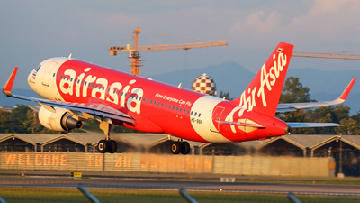 A picture of HSBBR - Airbus A320216 - AirAsia - © SOMPOL JUNLAMART