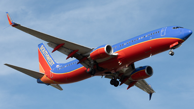 N8621A - Boeing 737-8H4 - Southwest Airlines
