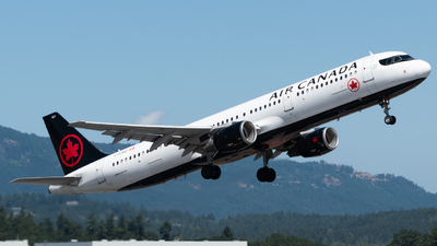 A picture of CGJWD - Airbus A321211 - Air Canada - © Brodie Meeres