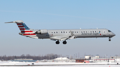 A picture of N590NN - Mitsubishi CRJ900LR - American Airlines - © Guy Langlois