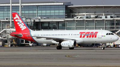 PR-MAZ - Airbus A320-232 - TAM Linhas Aéreas