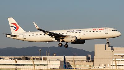A picture of B8172 - Airbus A321231 - China Eastern Airlines - © Yukio023