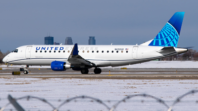 A picture of N620UX - Embraer E175LL - United Airlines - © Steve Rinde