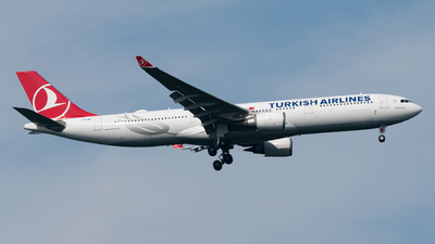 A picture of TCLNE - Airbus A330303 - Turkish Airlines - © paoloz99