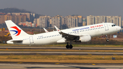 A picture of B8496 - Airbus A320214 - China Eastern Airlines - © ZUCK_SHAOYEOvO