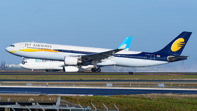 VT-JWT - Airbus A330-302 - Jet Airways