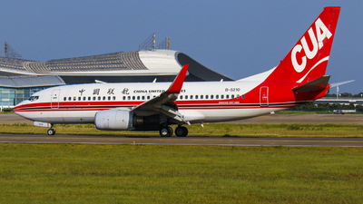 B-5210 - Boeing 737-79P - China United Airlines