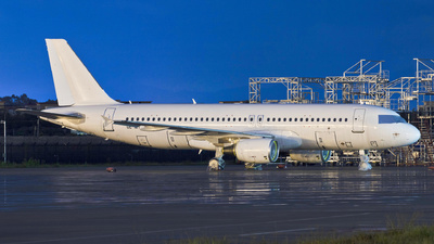 OE-ILY - Airbus A320-216 - Untitled