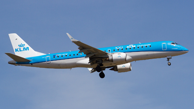 A picture of PHEZW - Embraer E190STD - KLM - © RobertLN