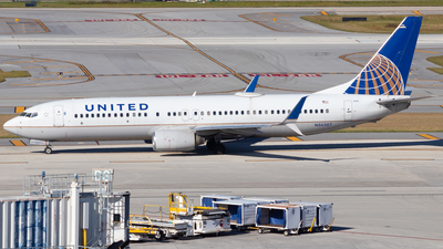A picture of N36207 - Boeing 737824 - United Airlines - © Davin Amy