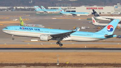 HL8002 - Airbus A330-323 - Korean Air