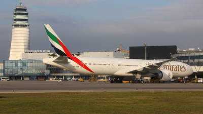 A6-EGW - Boeing 777-31HER - Emirates