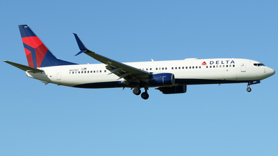 A picture of N801DZ - Boeing 737932(ER) - Delta Air Lines - © Carlos Vaz