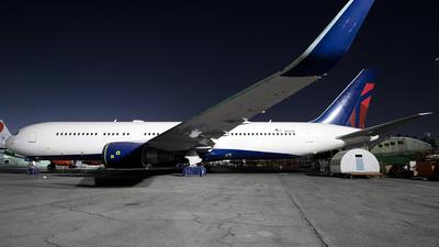 N1612T - Boeing 767-332(ER) - Untitled