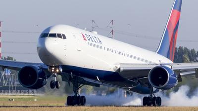 N187DN - Boeing 767-332(ER) - Delta Air Lines
