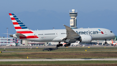 A picture of N811AB - Boeing 7878 Dreamliner - American Airlines - © Marco Papa