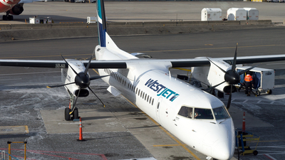 C-FENO - Bombardier Dash 8-Q402 - WestJet Encore