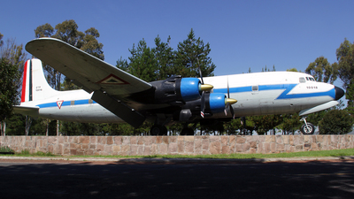 10018 - Douglas DC-6A Liftmaster - Mexico - Air Force