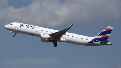 PT-XPI - Airbus A321-211 - LATAM Airlines