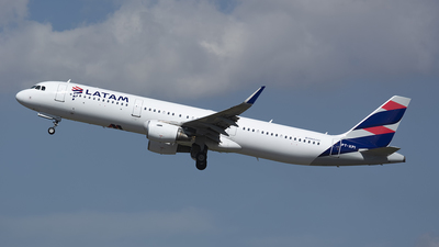 A picture of PTXPI - Airbus A321211 - LATAM Airlines - © Delta Papa