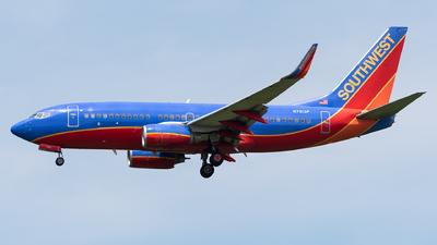 N7813P - Boeing 737-7K9 - Southwest Airlines