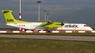 YL-BBT - Bombardier Dash 8-Q402 - Air Baltic