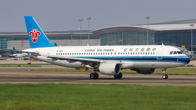 A picture of B6815 - Airbus A320214 - China Southern Airlines - © Lywings