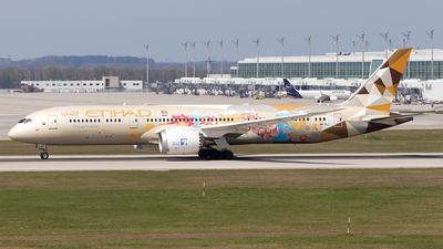 A picture of A6BLJ - Boeing 7879 Dreamliner - Etihad Airways - © Moritz Babl