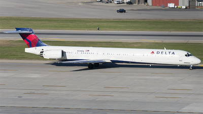 N939DN - McDonnell Douglas MD-90-30 - Delta Air Lines