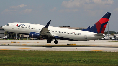 N3754A - Boeing 737-832 - Delta Air Lines