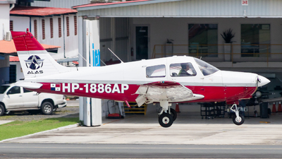 A picture of HP1886AP - Piper PA28 Cherokee - [] - © Jussef_04